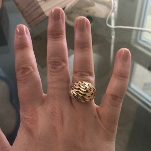 Jewelry - 14kt gold dome ring